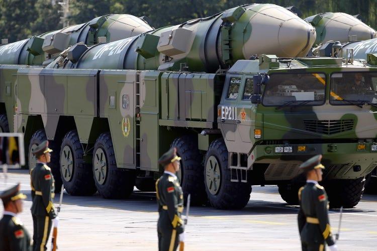 Mỹ và Trung Quốc đối mặt với căng thẳng sau cuộc tập trận quân sự phóng tên lửa vào Biển Đông