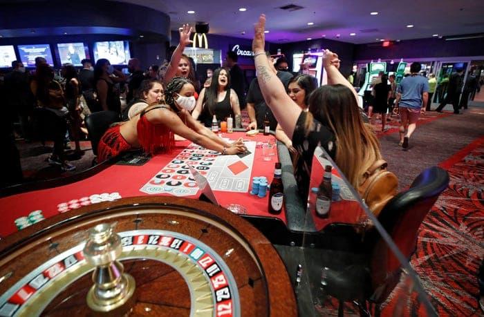 Hướng dẫn dễ hiểu cho người mới bắt đầu về cờ bạc trong sòng bạc