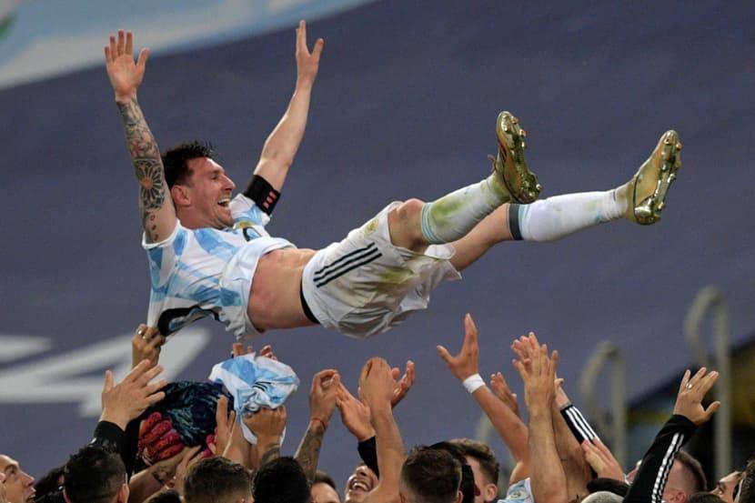 Messi phá kỷ lục của Ronaldo trên mạng xã hội