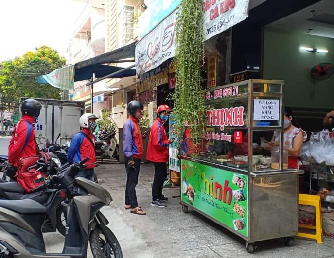 TP HCM dừng dịch vụ ăn uống mang về