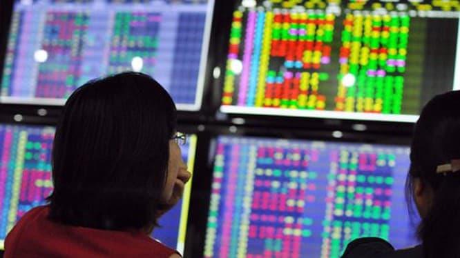 Cổ phiếu ngân hàng Việt Nam giảm mạnh