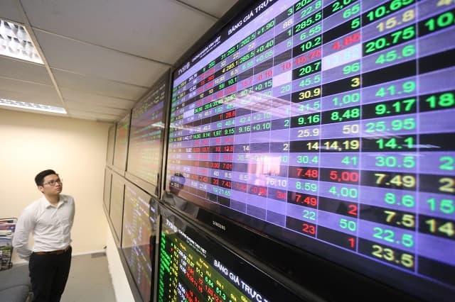 Chứng khoán Việt Nam, vốn tràn vào thị trường chứng khoán, tăng vọt