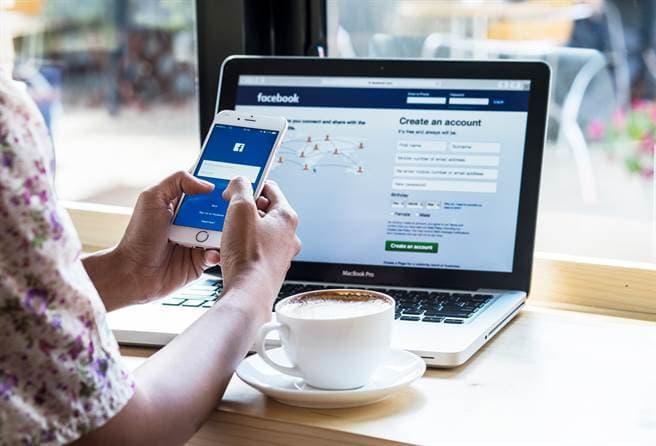 Lý do Facebook gián đoạn trên toàn cầu