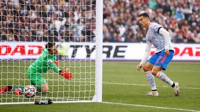Ronaldo vào đề cử Cầu thủ hay nhất Ngoại hạng Anh